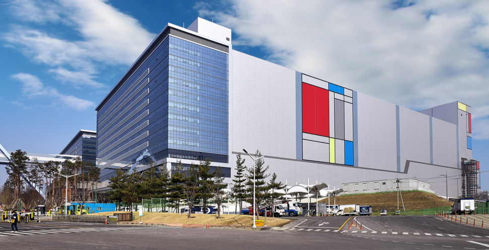 Samsung starts mass production of 7nm and 6nm-based mobile chips at new V1 EUV semiconductor line in Korea